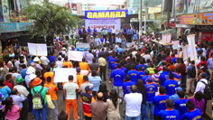 The different groups gathered at Gamarra