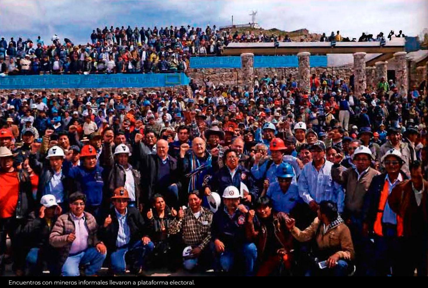 Hernando de Soto por partida doble: en entrevista y con su propuesta para escapar a la conflictividad minera.